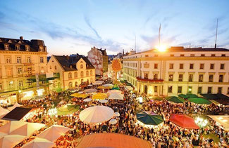 One of Germany's oldest wine events: Rheingauer Weinwoche in Wiesbaden