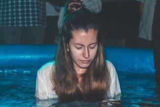 Rettende Buße ist keine werkgerechte Reue und Abkehr von den eigenen Sünden, sondern eine gläubige Änderung der eigenen Herzenshaltung Jesus gegenüber.