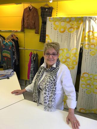 Katha erzählt von ihren bisherigen Jobs und Koryphäen