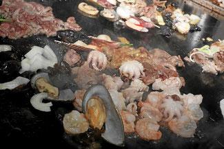 Teppanyaki, heisse Metallplatte als Grill