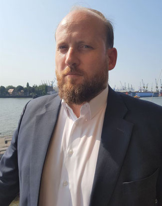 Tobias Bartz heads the air and ocean freight divisions of Rhenus Logistics  -  photo: hs