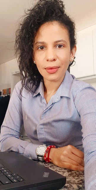Writing poems helps Sophie Valentina Nieves, who fled Venezuela for Argentina and works for Hapag-Lloyd there, to get over C-19 contact restrictions  -  picture: private