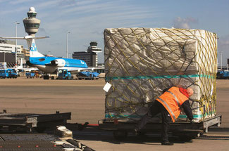 Will the Dutch government impose an aviation tax on cargo carriers?  -  Photo: Schiphol Group