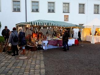 Wintermarkt am Bogenberg im Landkreis Straubing.