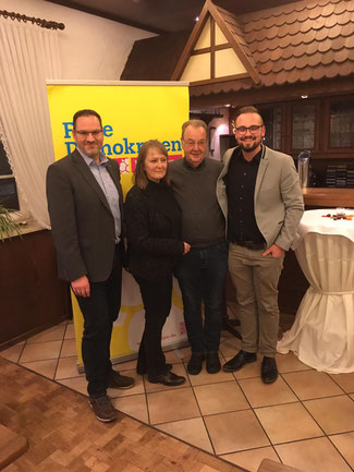 v.l. Carsten Möller Kreisvorsitzender, Ute Meyer, Peter Meier, Nils Allersmeier
