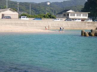 海水浴場の遊泳者