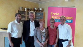 von links nach rechts: Jürgen Peter, Andreas Pinkwart, Ingrid Rumland, Ruth Hartmann, Helmut Klein