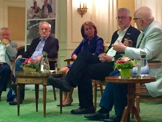 Jürgen Karad, Hermann Allroggen, Nicole Westig, Carlos Stemmerich, Peter Schroeder (v.l.n.r.)