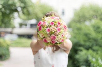 Brautstrauß in Hochzeitsfarbe gebunden! Foto Petr Vokurek