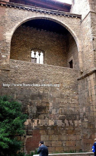 Крепостные стены Барселоны