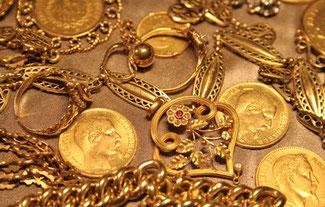 Schmuck und Münzen ästhetisch und schön aber...