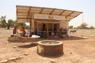 Solar Center, la solution de lieu de vie solaire de l'association Wazzaj. (Voir + cliquez sur l'image)