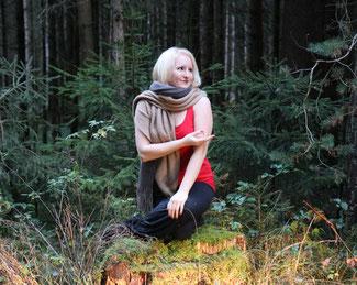 #yogaeverywhere Yoga im Wald, Ebersberger Forst bei München - Copyright Tanja Schöffmann Yogalehrerin Samastah Yoga