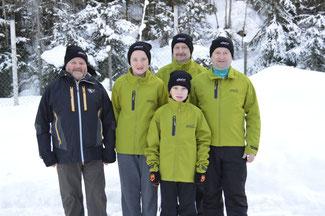 Am Bild die erfolgreichen Kärntner Sportler mit KLRV Vizepräsident Reinhold Pirker und den Betreuern. (Foto: PRIVAT)