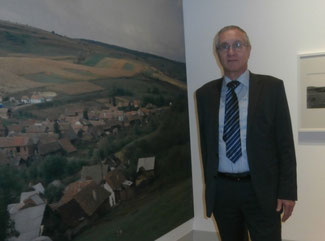 Peter Rauw bei der gelungenen Fotoausstellung des Freilichtmuseums