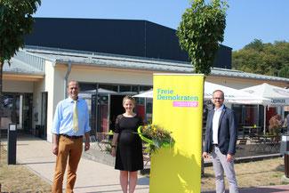 Bild: Kreisvorsitzender Buda gratuliert Henning und Amberg zur Wahl