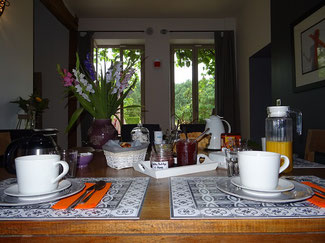 Bed and breakfast oise Senlis Crépy - Room Homemade breakfast with garden view - charm and beautiful decoration