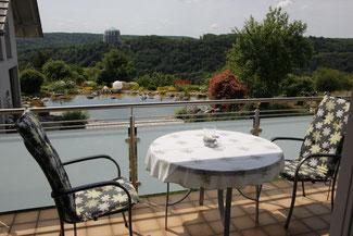 Blick vom Balkon der 3-Zimmer-Ferienwohnung Schönblick auf die Befreiungshalle