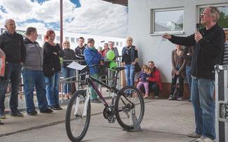 Fahrradversteigerung am BBF Schnäppchentag mit Michael Kaiser (BBF BIKE, Prokurist) ©BBF Bike