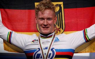 Strahlender Weltmeister im Zeitfahren der Junioren: Leo Appelt ©BDR-Medienservice
