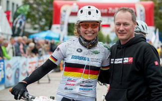 Trans-Zollernalb-Initiator Stephan Salscheider mit Elisabeth Brandau beim Rennen 2013 ©Armin M. Küstenbrück/EGO-Promotion
