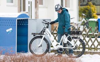 E-Biken im Winter © www.pd-f.de/Kay Tkatzik