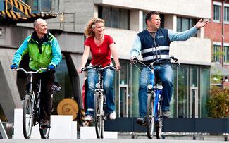 Radelnde Mitarbeiter tun sich selbst etwas Gutes – und ihrem Arbeitgeber: Fahrradfreundliche Unternehmen und Institutionen können sich vom ADFC zertifizieren lassen. © ADFC/S.Wieland