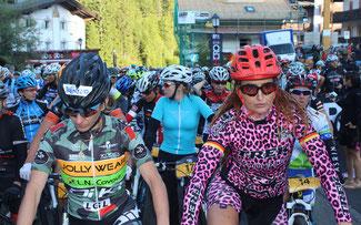 Katrin Schwing (r.) ist eine erfolgreiche Hero-Veteranin ©Sellarondahero.bike