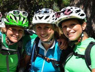 © GIRLSRIDETOO.DE  // Das Orga-Team (von links): Andrea Hahn - BikeAgentur, Judith Lell-Wagener - GIRLSRIDETOO.DE,  Patricia Roth - BikeAgentur