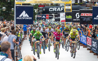 Der Start in San Martino di Castrozza © Henning Angerer