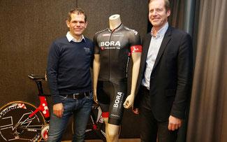 Ralph Denk mit Tour de France Direktor Christian Prudhomme  ©  BORA - ARGON 18 / Roth