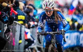 Schnee, Schlamm und Pech: Eva Lechner im WM-Rennen von Tabor/Tschechien © EGO-Promotion/Armin M. Küstenbrück