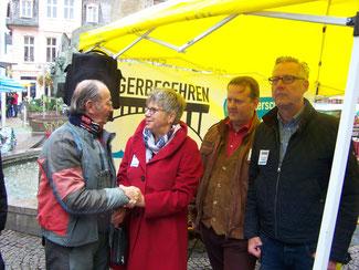 """v.l.n.r.:  Heiner Mades (""""Weingott Bacchus"""" aus Bacharach), Helga Lerch, Michael Julius Schwarz und Hasso Mansfeld"""