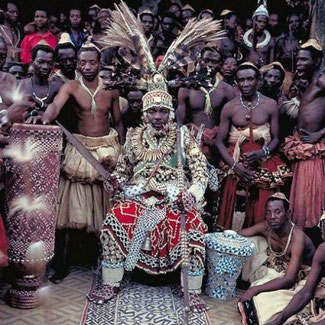 Nyimi Kok Mabiintsh III, attuale re dei Bushongo