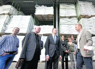 Bei Zewotherm: Minister Volker Wissing (Mitte) mit Heinz-Peter Zumhoff (v.l.), Ulrich van Bebber und Andreas Ziegler. FOTO: GAUSMANN