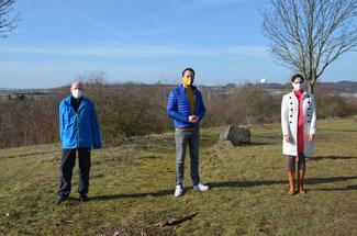 Klimaschutz steht im Vordergrund bei der Deponie Oedingen, darin waren sich die FDP-Vertreter (von links) einig: Ulrich van Bebber, Martin Thormann und Christina Steinhausen.