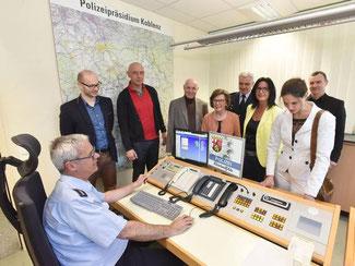 Besuch der Liberalen des Kreises Ahrweiler in der Einsatzzentrale der Polizeiinspektion Remagen. Foto: Martin Gausmann