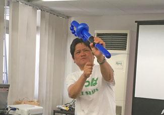 ホッシーPOKOも久々にはっぱTシャツでのパフォーマンスを披露 風船突き刺しの芸はウケました!