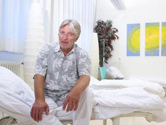Arzt und Leiter der Klinik Friedrich Stapf. Foto: I. Kjer/Archiv