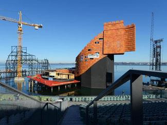 Blick auf die entstehende Kulisse der «Turandot»-Oper. Foto: F. Kästle