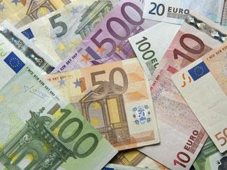 Dank des niedrige Eurokurses und anderen Faktoren erwarten Experten, dass sich der Ifo Geschäftsklimaindex weiter nach oben bewegen wird. Foto: Daniel Reinhardt/Archiv