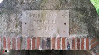 Erreur de date sur la plaque figurant sur la fontaine. © Temple de Paris