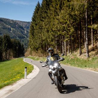 Cruisermäßig komfortabel: Moto Guzzi VR85TT