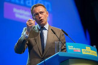 Christian Lindner spricht auf dem Landesparteitag in Bielefeld