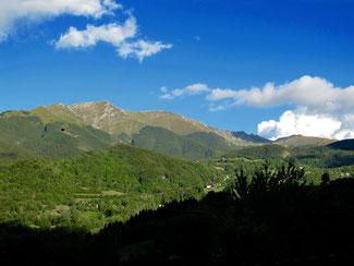 die weite Gebirgs-Landschaft der Emilia Romagna