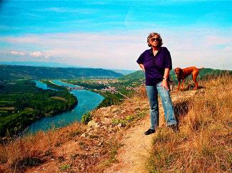 Hanni und Lara hoch über der Rhone