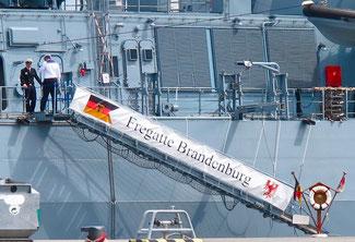 Fregatte Brandenburg gerade eingelaufen