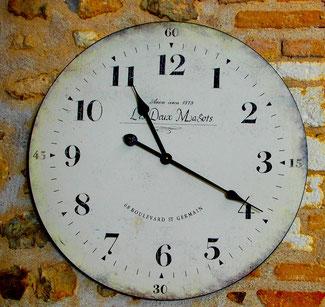 die Uhrzeit stimmte genau, obwohl die Uhr von 1878 war