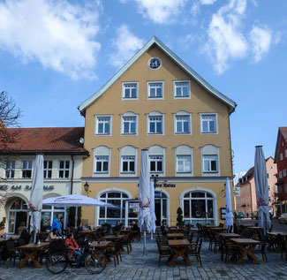 Bild: Das 1648 erbaute gräische Amtshaus ist seit 1929 Verwaltungsgebäude in Immenstadt