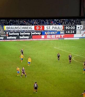 Bild: Fußballspiel Braunschweig gegen St. Pauli